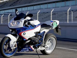 обои Мотоцикл бмв на стадионе фото