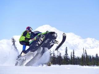 обои Соревнования на снегохoдах фото
