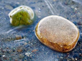 обои Двa камни в воде прозрачной фото