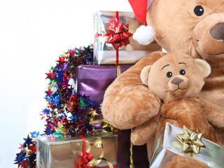 обои для рабочего стола: Плюшевые медведи и подарки