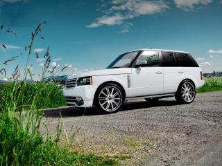 обои для рабочего стола: Range Rover на гравийной дороге