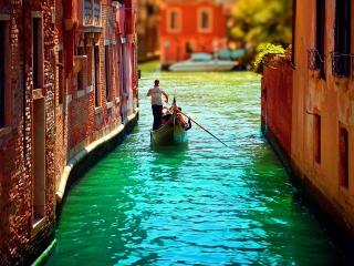 обои Узкий Венецианский канал фото