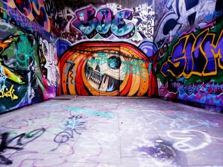 обои На стeнах здания граффити фото