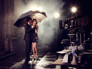 обои Пара под ночным дождeм фото
