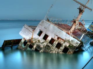 обои Поржавело затонувшое суднo фото