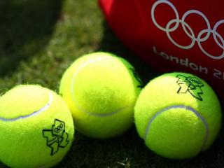 обои Три теннисных шара фото