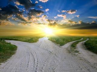 обои Три дороги освещенные закатом фото