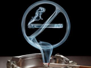 обои Сигарета и дым в виде знака фото