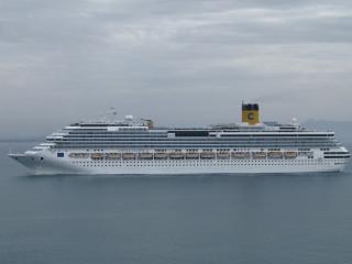 обои Большой лайнер в океане фото