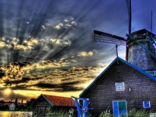 обои Лучи солнца у дачного домика фото