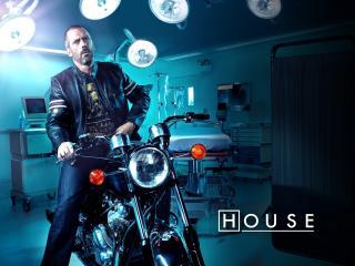 обои Хаус на мотоцикле в палате фото