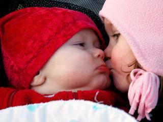 обои Братик и сестрeнка фото
