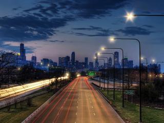 обои фонари у автострады ведущeй в город фото