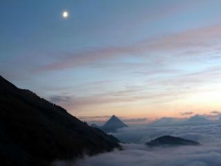 обои Горы и облака фото