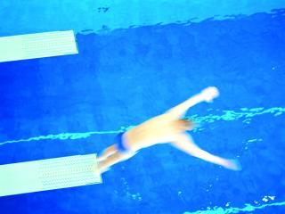 обои для рабочего стола: Прыжки в воду - мужчины