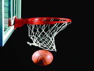 обои Баскетбол - попадание в кольцо фото