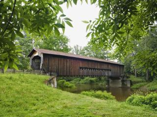 обои для рабочего стола: Мост через речку
