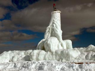 обои Маяк во льду фото
