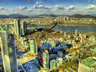 обои Солнечный город с высоты птичьего полета фото