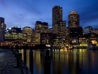 обои Ночной город отражается в реке фото