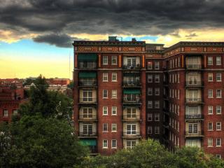 обои одна из многоэтажек в городе фото