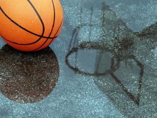 обои на дождливой площадке баскетбольный мяч фото