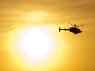 обои вертолет и солнце в небe фото