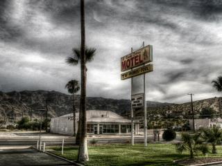 обои Мотель в пустоши фото