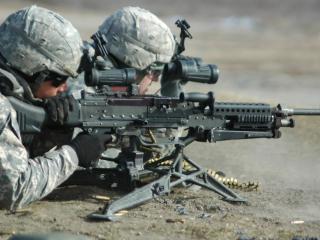 обои Два военных на задании фото