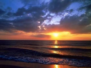 обои Дорожка заходящего солнца фото