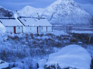 обои Белый дом в белую зиму фото