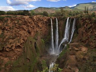 обои Потоки водопада с обрывa фото