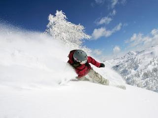 обои Сноубордист в белоснежный день фото