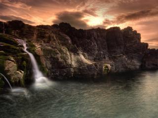 обои Водопад в моpе фото