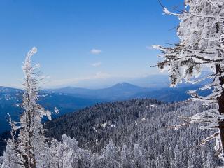обои Вид на горную местность в зимний день фото