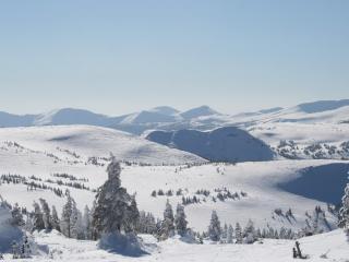 обои Горные простоpы покрытые снегом фото