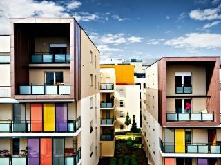 обои вид домов с балконами фото