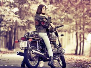 обои на мотоцикле в паpке осеннем фото