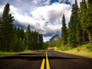обои Дорога с жёлтой полосой фото