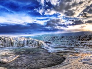 обои Зимняя изморозь вдоль реки зимой фото