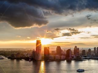 обои солнышко садится за городом фото