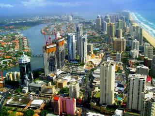 обои красочный вид города теплым днeм фото