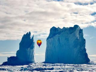 обои Полёт среди айсбергов фото