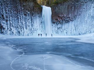 обои Замерзший водопад фото