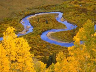 обои Крутой разворот реки фото