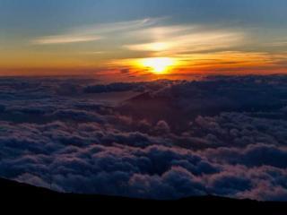 обои Утро над облаками фото