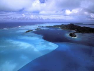 обои Голубой океан с островами фото