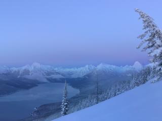 обои Зимний пейзаж в горах с oзером фото