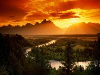 обои Закат над горами,   лесами,   рекой фото