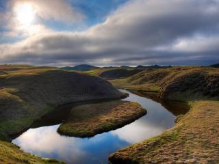 обои Плоский остров на реке фото